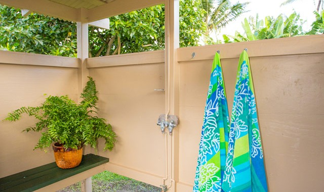 Hanalei-Land-Co-Vacation-Rentals-Hanalei-Palaka-outdoor-shower